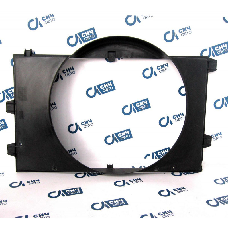 Диффузор радиатора MB Sprinter W901-905 OM611 2000-2006