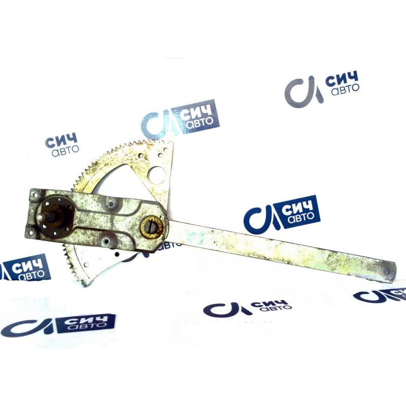 Стеклоподъемник передней правой двери (механический) MB Vario