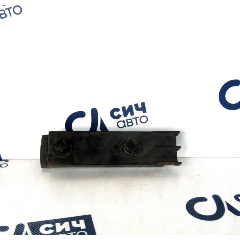 Крепление переднего бампера MB Sprinter W901-905 1996-2006