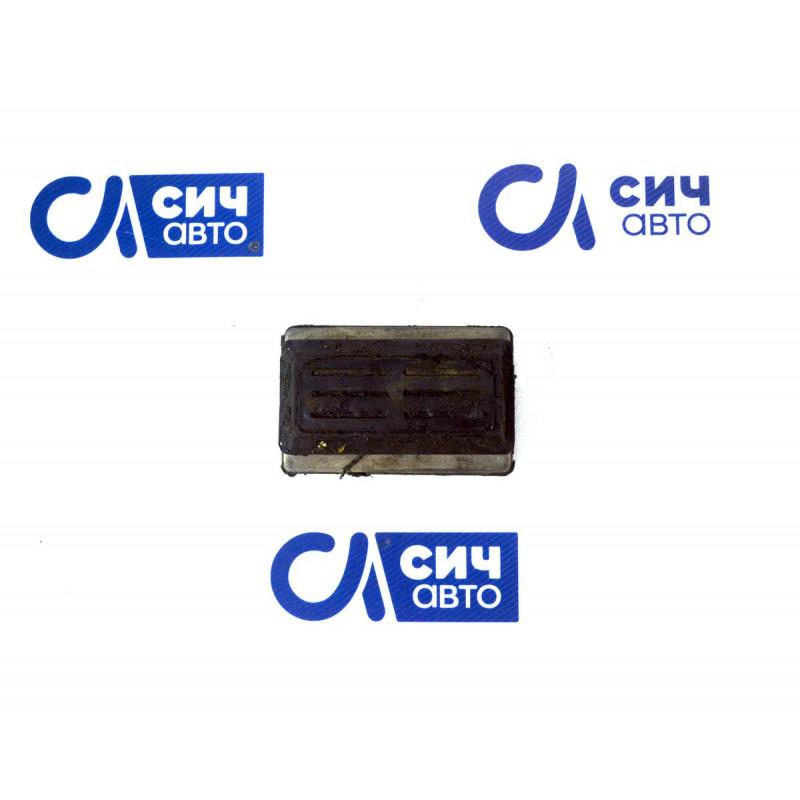 Подушка передней рессоры верхняя (под 1 лист) MB Sprinter W901-905 1996-2006