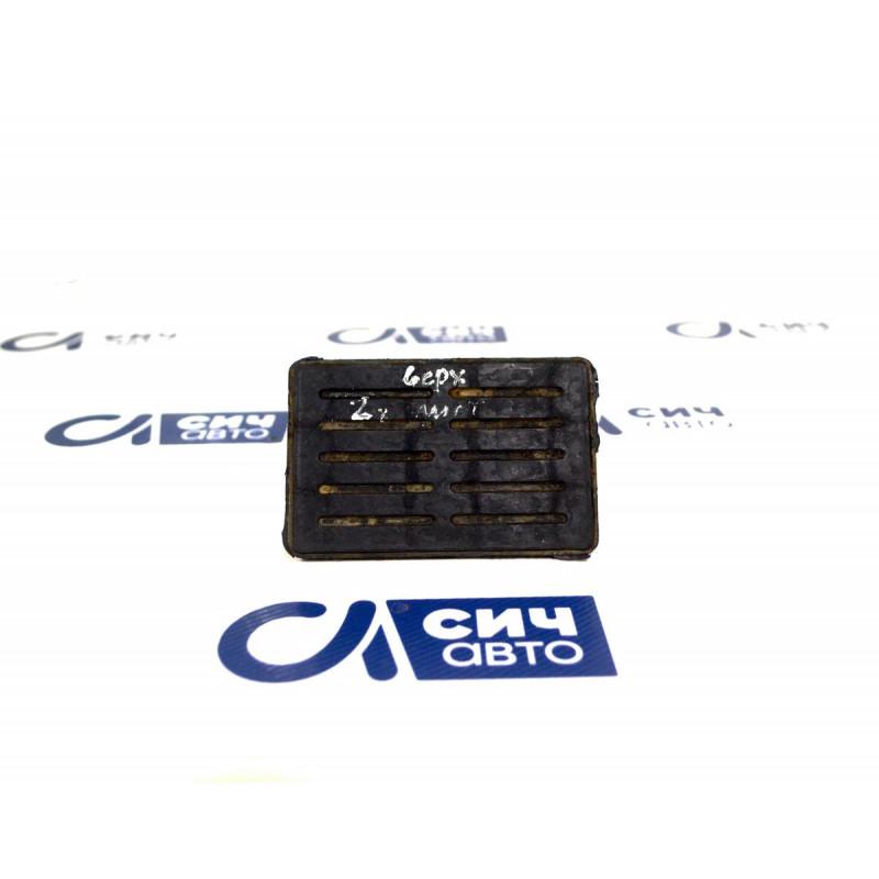 Подушка передней рессоры верхняя (под 2 листа) MB Sprinter W901-905 1996-2006