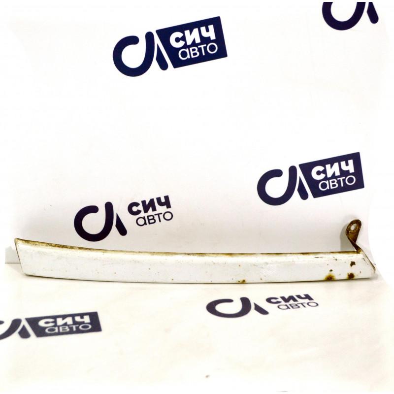 Ресничка под фару правая MB Sprinter W901-905 2000-2006