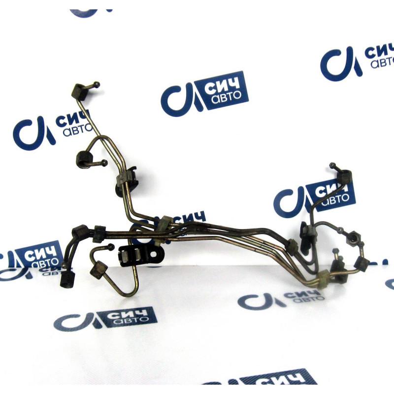 Трубка топливная Mercedes Sprinter 2,2/2,7 CDI (метал. с рейки на форсунку) с 2000 г. по 2006 г.