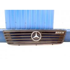 Решетка радиатора MB Vario