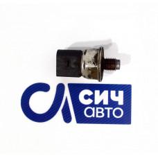 Датчик давления топлива (в рейке) MB Sprinter W906 OM651 2006-2013