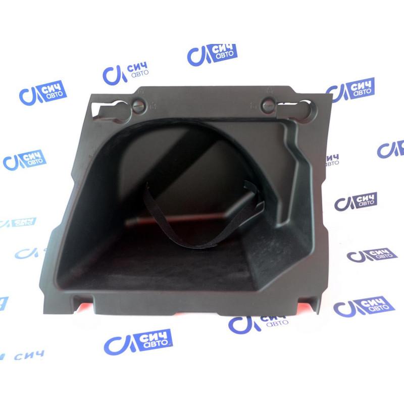 Вещевое отделение в багажнике MB M-Class W164 2005-2011